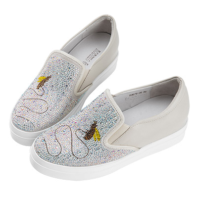 Robinlo 趣味感鑲鑽飛舞蜜蜂微增高休閒鞋 白