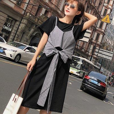 圓領短袖洋裝+格紋短版背心兩件套 (共二色)-Kugi Girl