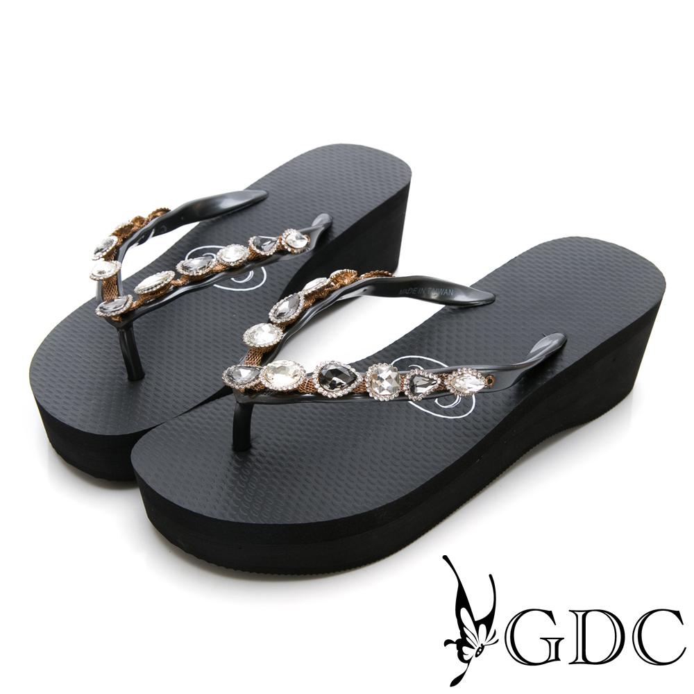 GDC-夏天海灘逛街必備水鑽微厚底夾腳拖鞋-黑色
