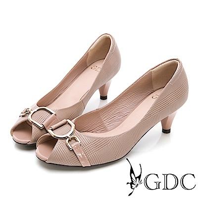 GDC-質感壓紋細緻扣飾魚口鞋-粉色