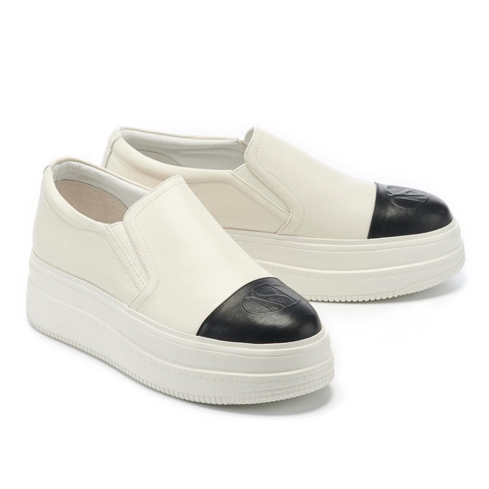 休閒鞋 MISS 21 極簡率性LOGO壓印全真皮厚底休閒鞋-白