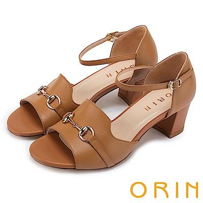 ORIN 經典復古 氣質牛皮馬蹄扣後包粗跟涼鞋-棕色
