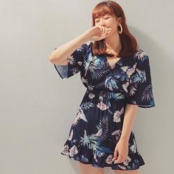 AIR SPACE PLUS V領荷葉寬袖印花短洋裝(藍)