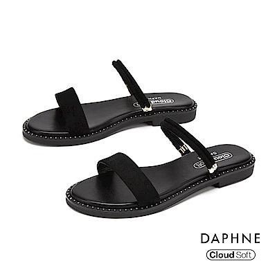 達芙妮DAPHNE 涼鞋-簡約一字帶鉚釘舒適平底拖鞋-黑色