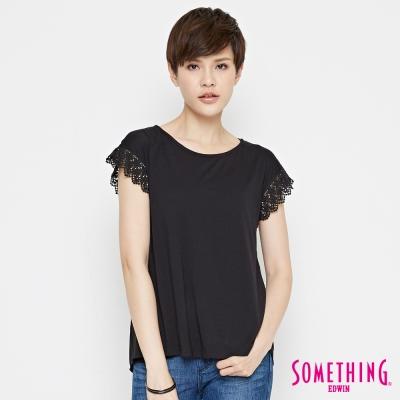 SOMETHING 浪漫氣質蕾絲袖口T恤-女-黑色
