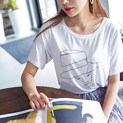 垂墜感手繪時髦女孩燙印設計圓領上衣-OB大尺碼