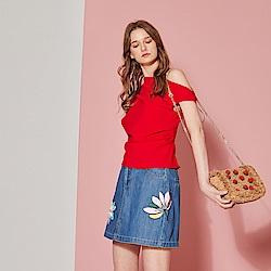 ICHE 衣哲 時尚3D手工花飾鑲珠刺繡牛仔裙-單寧藍