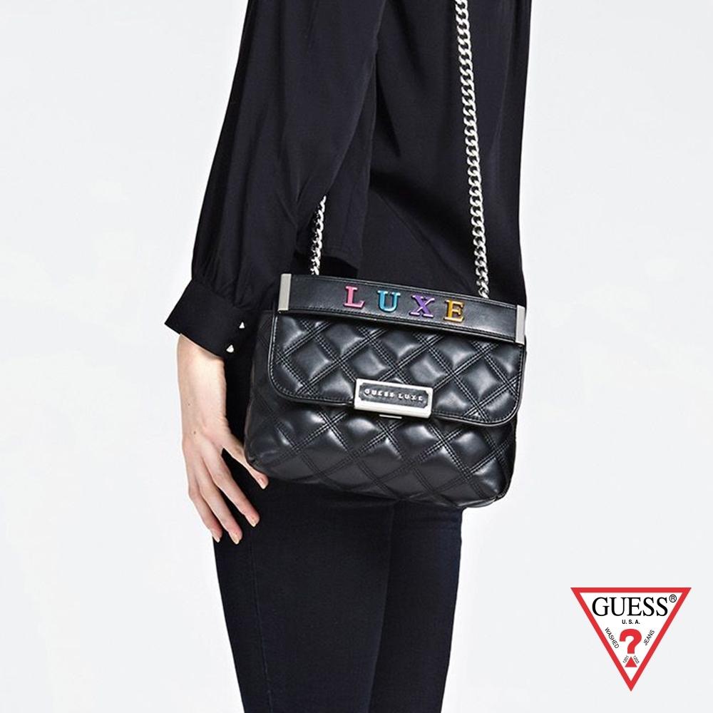 GUESS-女包-LUXE菱格紋金屬鍊條手提包-黑 原價5690
