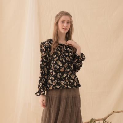 【CUMAR】花卉荷葉造型上衣-襯衫(二色/版型適中)