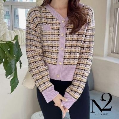 外套 正韓V領開襟經典格子金釦造型針織外套 (粉紫)N2