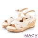 MAGY 織帶圖騰皮革楔型涼鞋 米色 product thumbnail 1