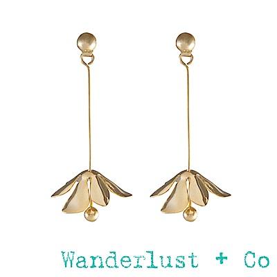 Wanderlust+Co卡布里花垂吊耳環 - 金色