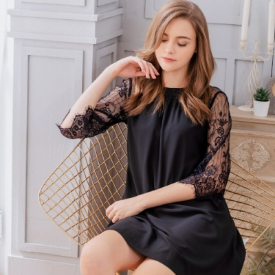 Naya Nina 輕盈蕾絲素面七分袖居家洋裝睡衣-黑F