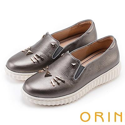 ORIN 甜美童趣 貓咪荔枝紋牛皮平底便鞋-錫色