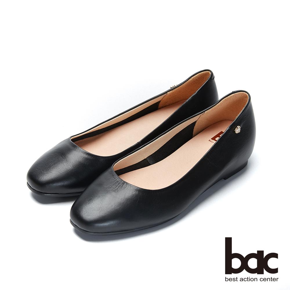bac愛趣首爾- 頭簡約無內裡側邊愛心鑽飾內增高平底鞋-黑