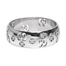 GUCCI 經典GG LOGO鑽石鑲嵌18K白金簍空造型戒指(銀)