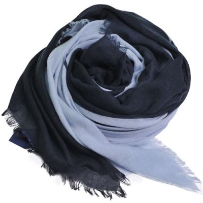 ARMANI JEANS 義大利製大字母LOGO圖騰高質感薄造型圍巾(黑/藍系)