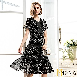 MONS 波卡圓點蕾絲領飾修身洋裝
