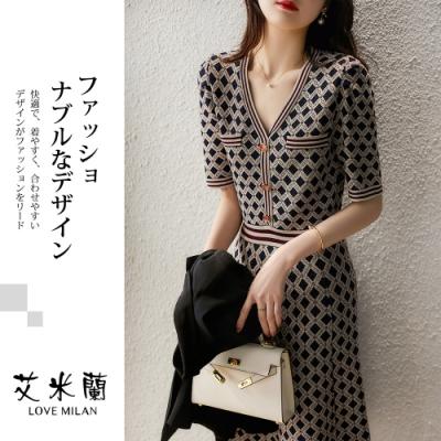 艾米蘭-韓版氣質V領菱形格紋排扣造型洋裝-菱形格紋(M-XL)