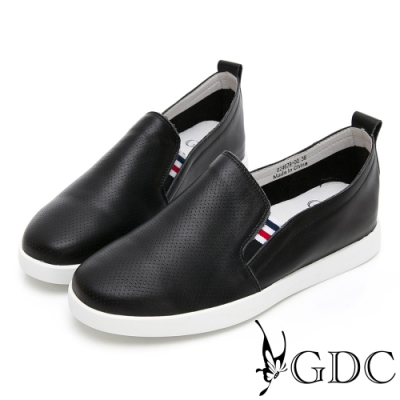 GDC-真皮舒適質感素色基本沖孔休閒鞋-黑色