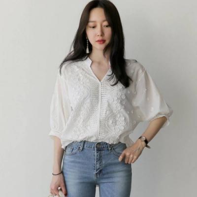 La BellezaV領刺繡立體小花朵袖口滾花邊棉麻襯衫