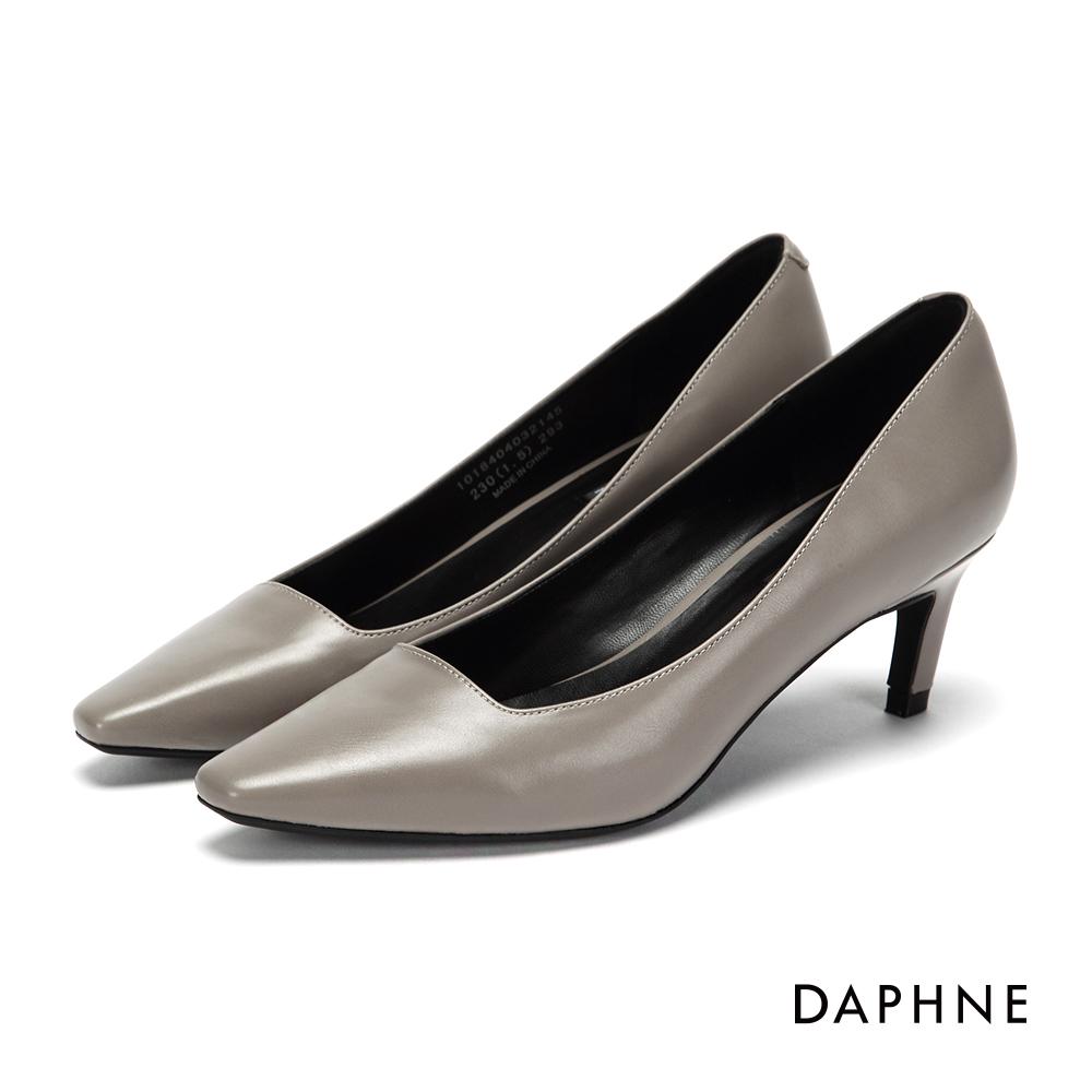 達芙妮DAPHNE 高跟鞋-簡約縫線個性斜跟高跟鞋-灰