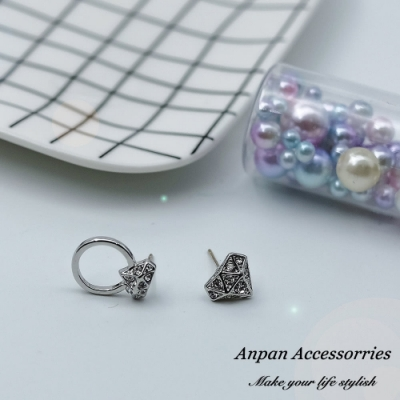 【ANPAN愛扮】韓大門INS風立體鑽石戒指不對稱925銀針耳釘式耳環