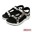 BESO 時尚酷感 異材質運動休閒運動涼鞋~銀