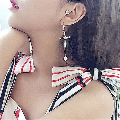 梨花HaNA 韓國925銀針十字架珍珠不對稱童話耳環