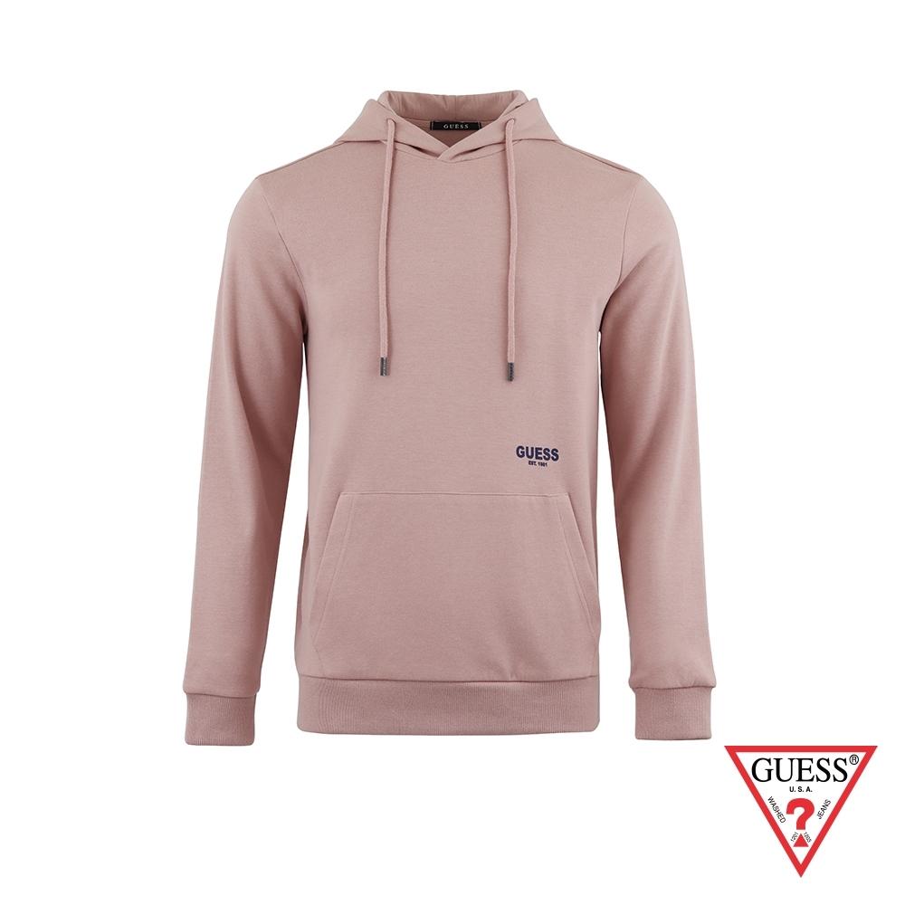 GUESS-男裝-純色後背文字印圖長袖帽T-粉 原價3990