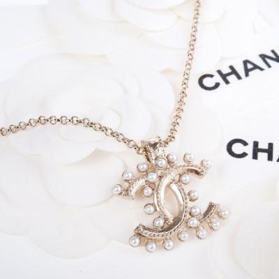CHANEL 經典CC LOGO排列立體珍珠造型項鍊 (金色)