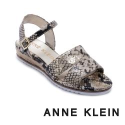 ANNE KLEIN-NADINA 簡約輕鬆 寬帶後繫交叉帶草編楔型涼鞋-蛇皮金
