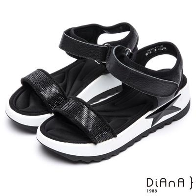 DIANA 摩登時尚—閃閃惹人愛繞帶排鑽涼鞋-黑