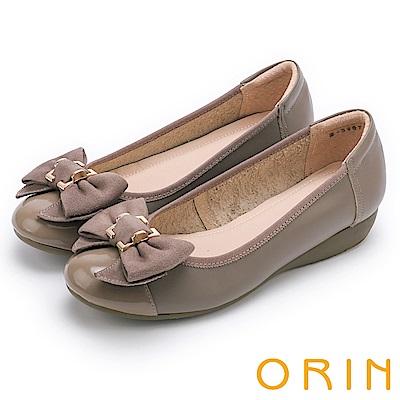 ORIN 甜美新風貌 牛皮五金蝴蝶結平底娃娃鞋-可可