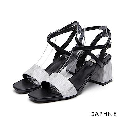 達芙妮DAPHNE 涼鞋-一字細帶繞踝粗高跟涼鞋-黑