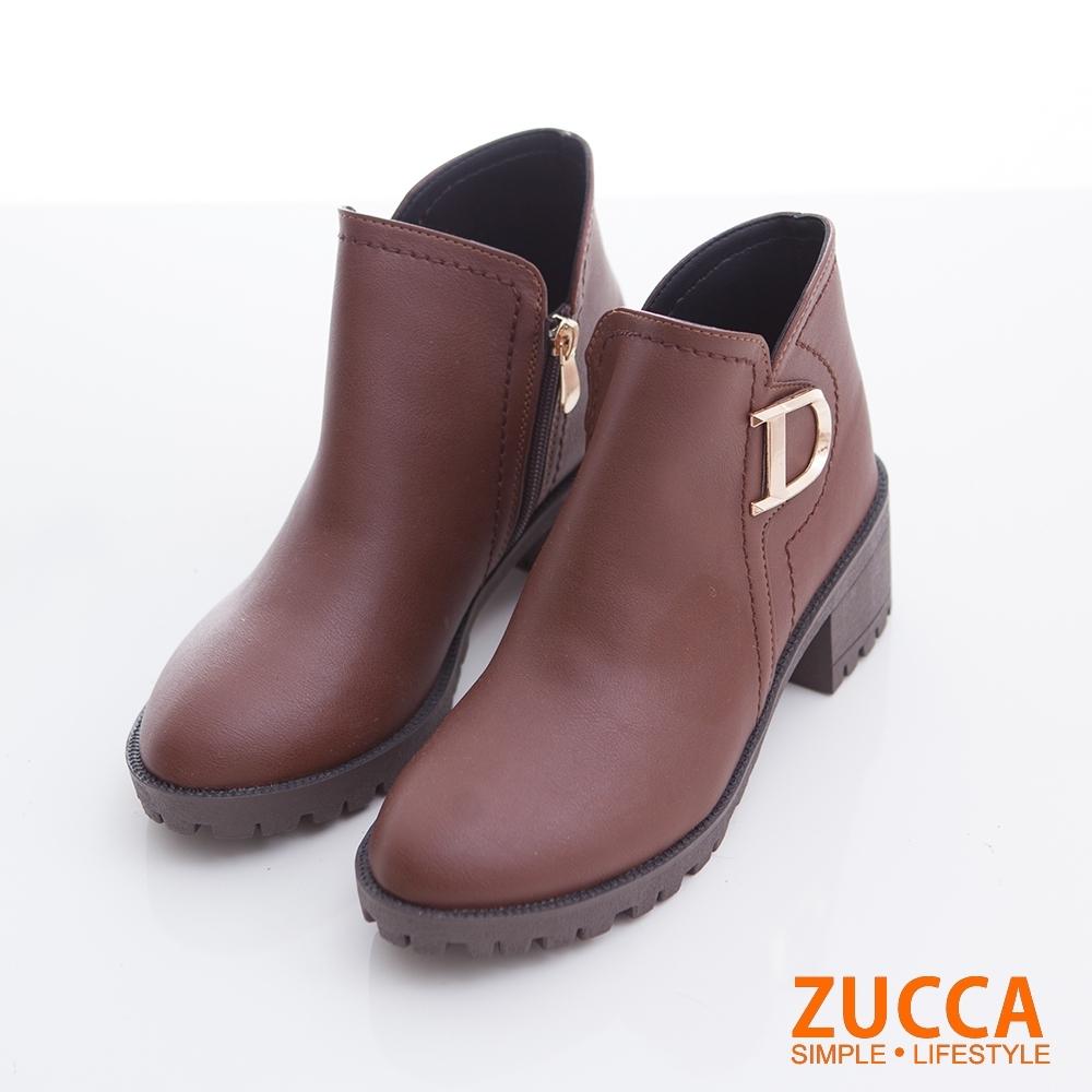 ZUCCA-D字釦側拉鍊低跟短靴-棕-z6722ce