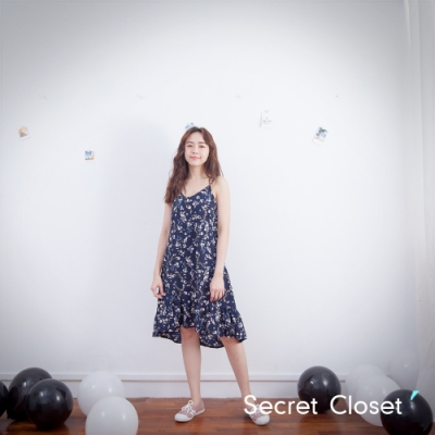 Secret Closet-碎花浮印細肩洋裝-深藍