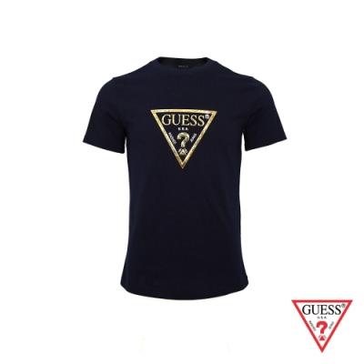 GUESS-男裝-個性金色PVC印刷LOGO短T,T恤-深藍
