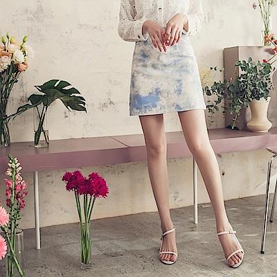 iMODA STAR-高含棉時髦渲染印花修身A字短裙