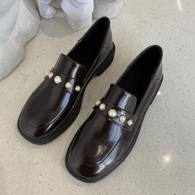 KEITH-WILL時尚鞋館 復古女孩個性珍珠造型皮鞋-棕