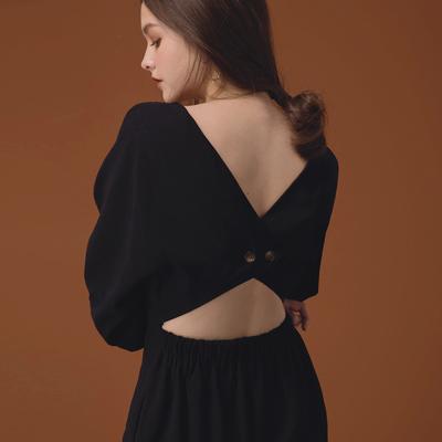 AIR SPACE LADY 背鏤空澎澎袖絨布連身長褲(黑)