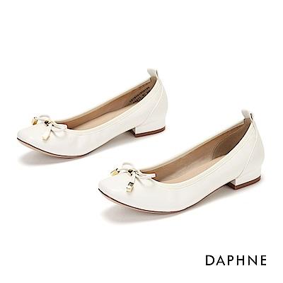 達芙妮DAPHNE 娃娃鞋-甜美蝴蝶結方頭低跟娃娃鞋-米白