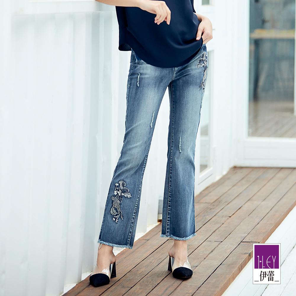 ILEY伊蕾 燙鑽花朵刺繡牛仔褲(藍)
