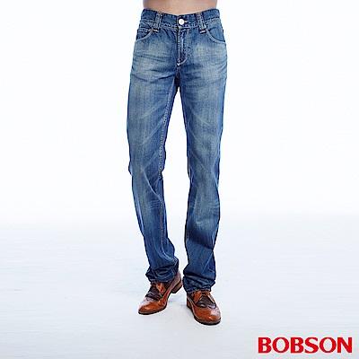BOBSON 男款貓鬚刷白淺藍直筒褲