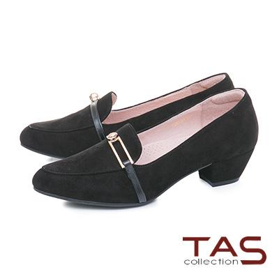 TAS一字金屬扣飾麂皮尖頭樂福粗跟鞋-百搭黑
