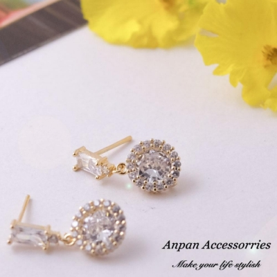 【ANPAN愛扮】韓東大門甜美一字鑽925銀針耳釘式耳環-金色