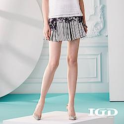 IGD英格麗 花卉條紋印花百摺短裙-黑色