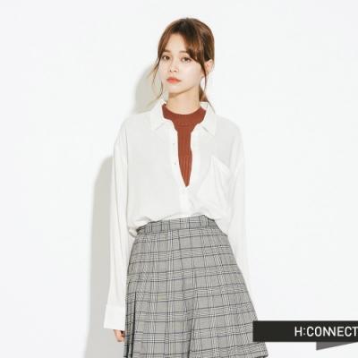 H:CONNECT 韓國品牌 女裝-單口袋柔軟素面襯衫-白