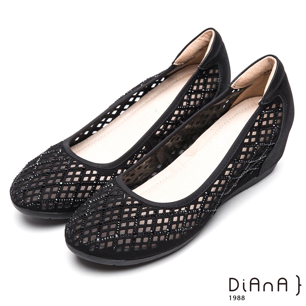 DIANA 華麗代言—簍空水鑽異材質拼貼娃娃鞋-黑