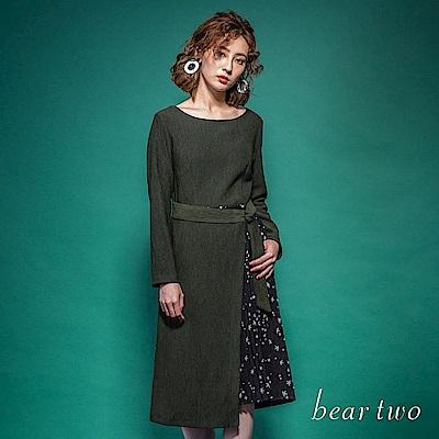 beartwo 合身圓領拼接百摺微透雪紡一件式洋裝(黑色)